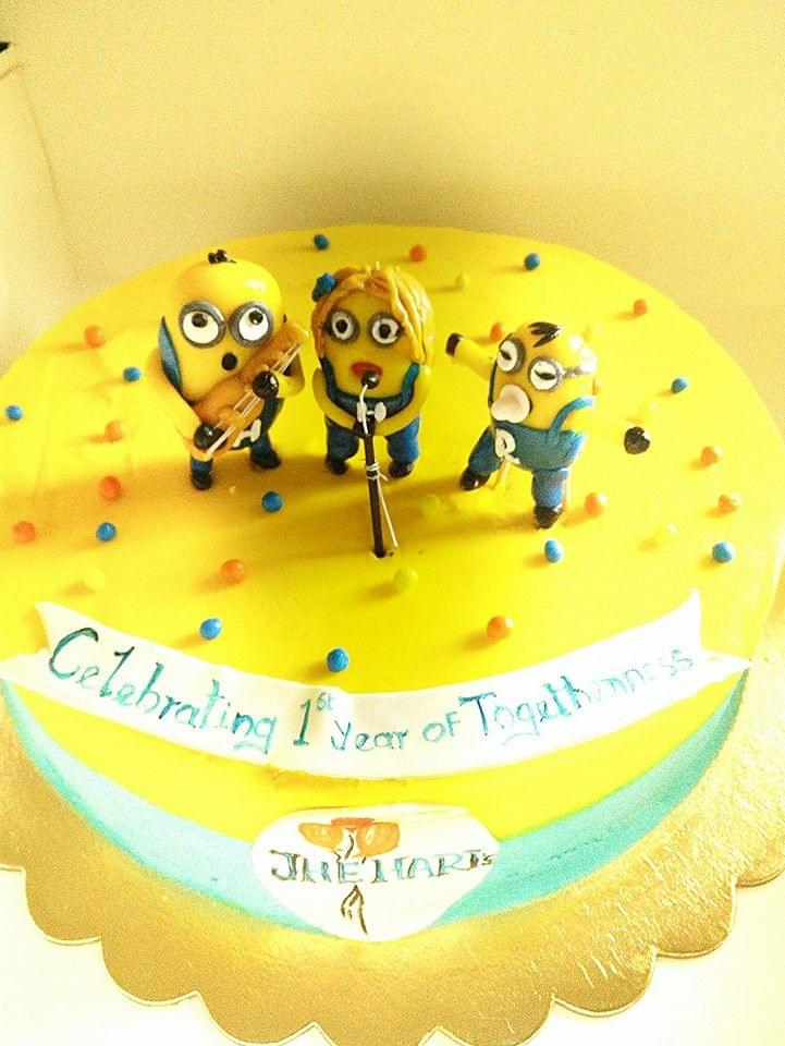 Dolce Olivia Minions Celebration Cake (2kgs)