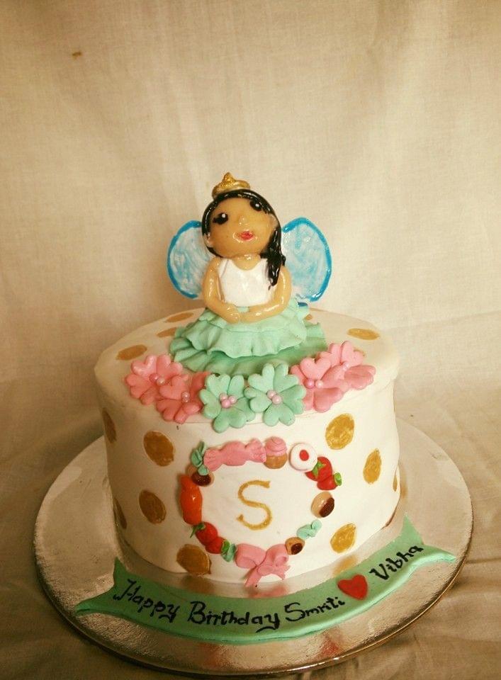 Dolce Olivia Fairy Cake (1kg)