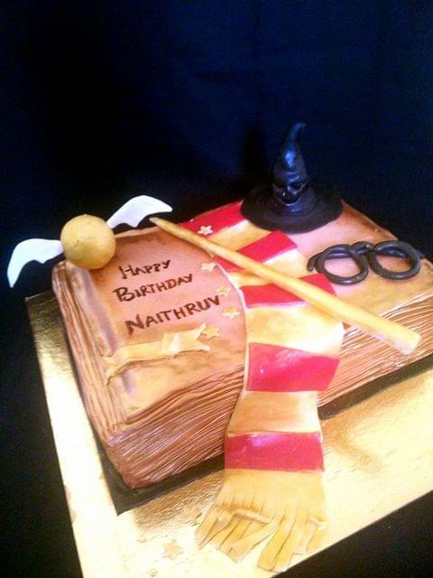 Dolce Olivia Harry Potter Theme Cake (1kg)