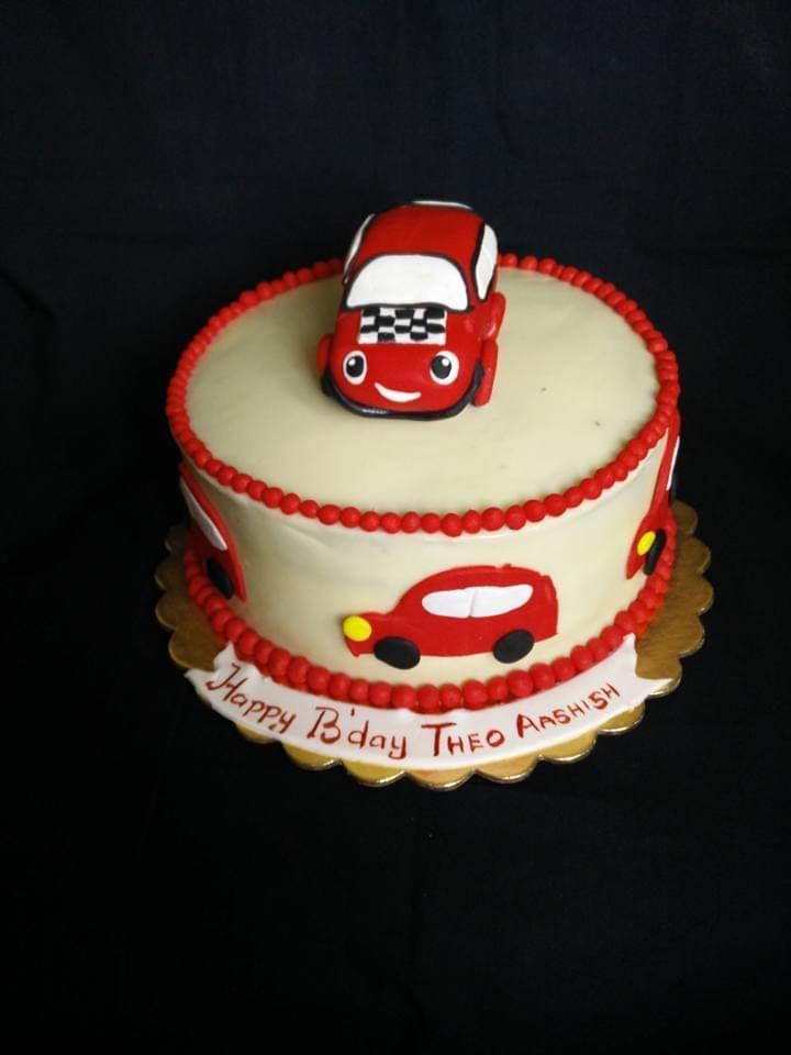 Dolce Olivia Car Cake (1.5kgs)