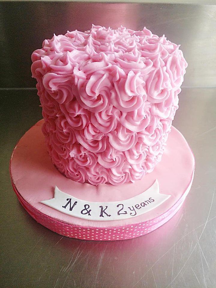Dolce Olivia Red Velvet Cake with ABC Rosettes(1kg)