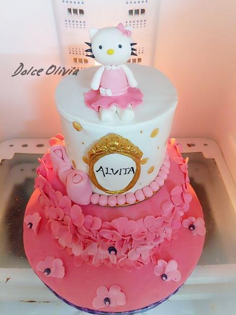 Dolce Olivia Hello Kitty Birthday Cake (3kgs)