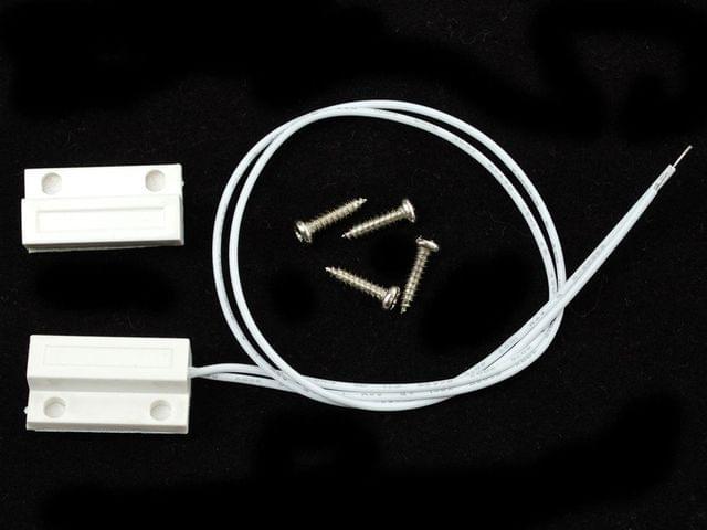 Magnetic contact switch (door sensor)