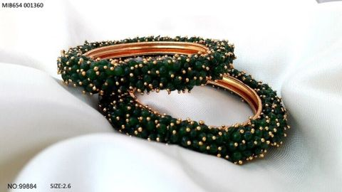 Bangles comprise of beads and pearls
