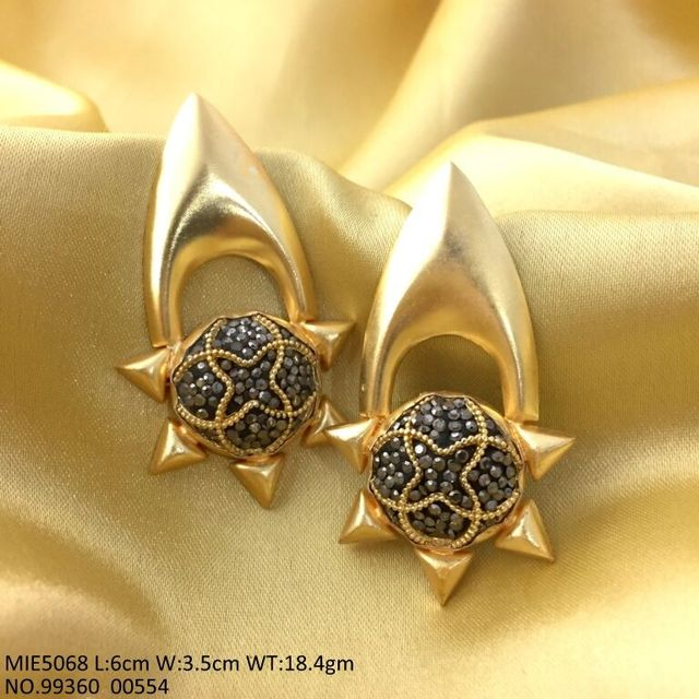 Gold Plated Brass Jhumki with Ad Stones and semi precious beads with an year warranty