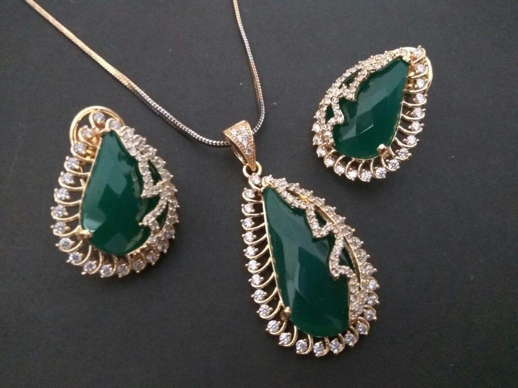 Semi Precious Stone with American Diamond Pendant Set