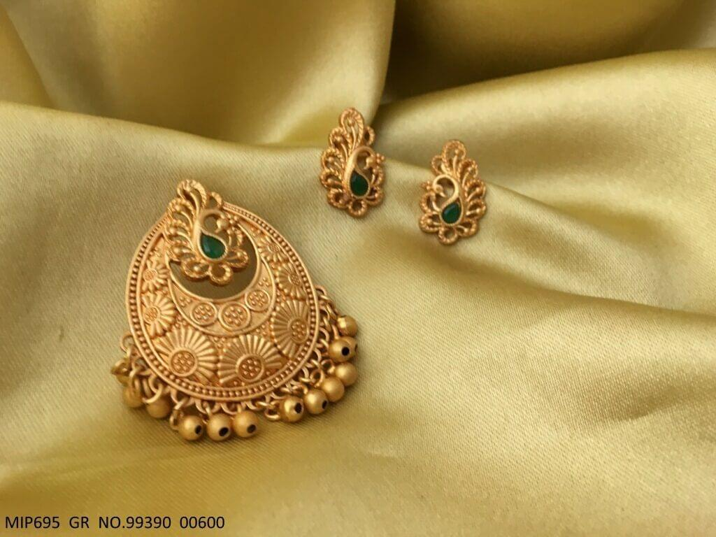 Gold Plated Pendant set with pair of earrings