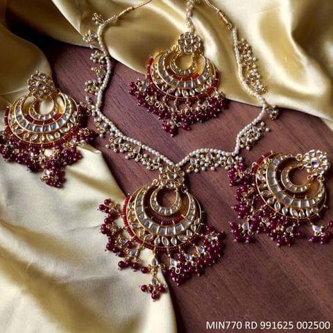 Beautiful Kundan set with Mangtika and beautiful pair of Jumki