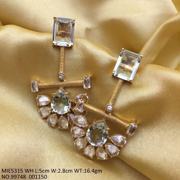 High Class Earrings/Danglers with an year warranty