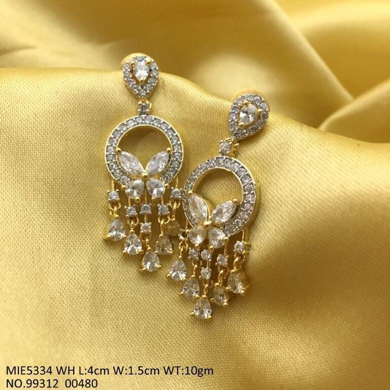 Pair of Beautiful Jhumki with an year warranty