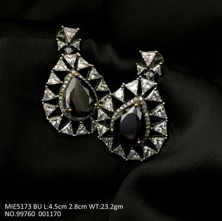 Buy this Beautiful pair of american diamond earring with precious stone