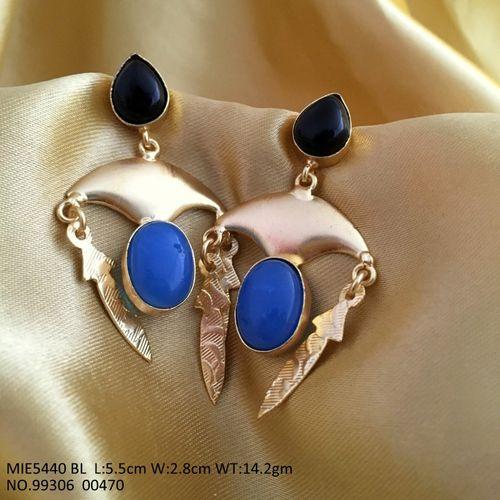 Beautiful Dangler with semi precious stone