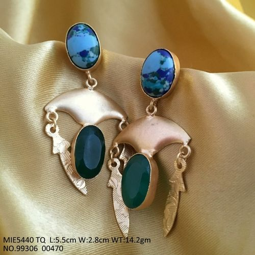 Beautiful Dangler with semi precious stone