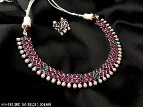 Beautiful Precious stone studded necklace with beautiful pair of earrings