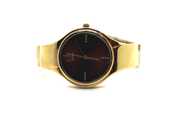 Buy this beautiful watch with 1 year warranty
