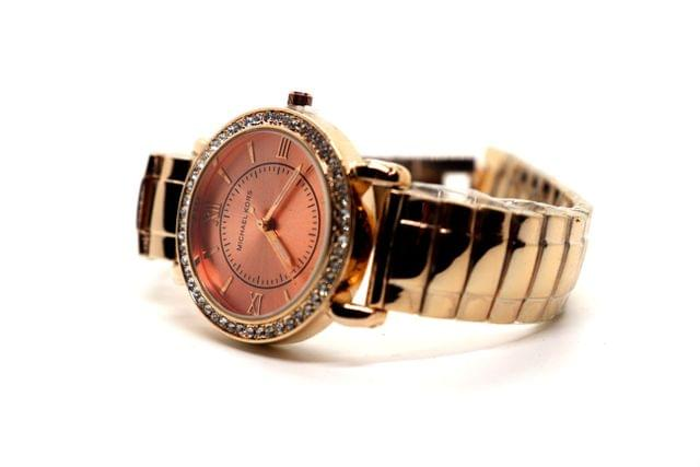 Buy this awesome watch with an year warranty