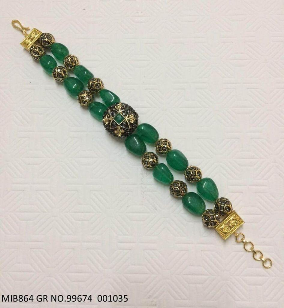 Bracelet made of Pearl and Beads