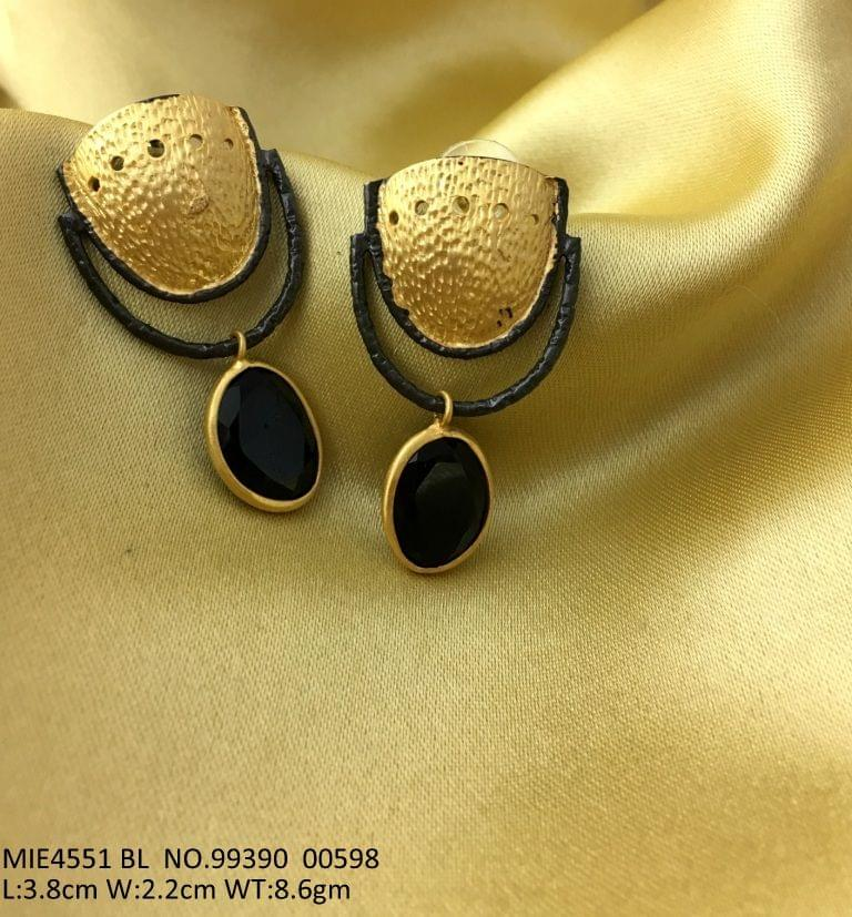 Buy this beautiful Brass Earring with an year warranty -- 3.8 centimeters in length and width is 2.2 centimeters