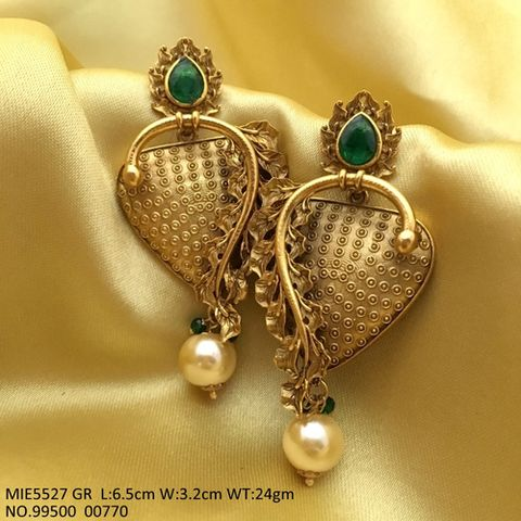 Beautiful pair of Jhumki with an year warranty