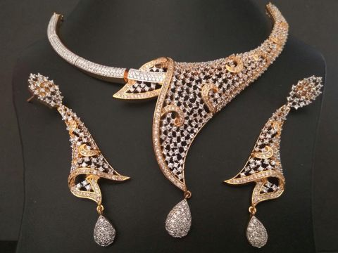 American Diamond Necklace set with pair of Beautiful American Diamond Earrings
