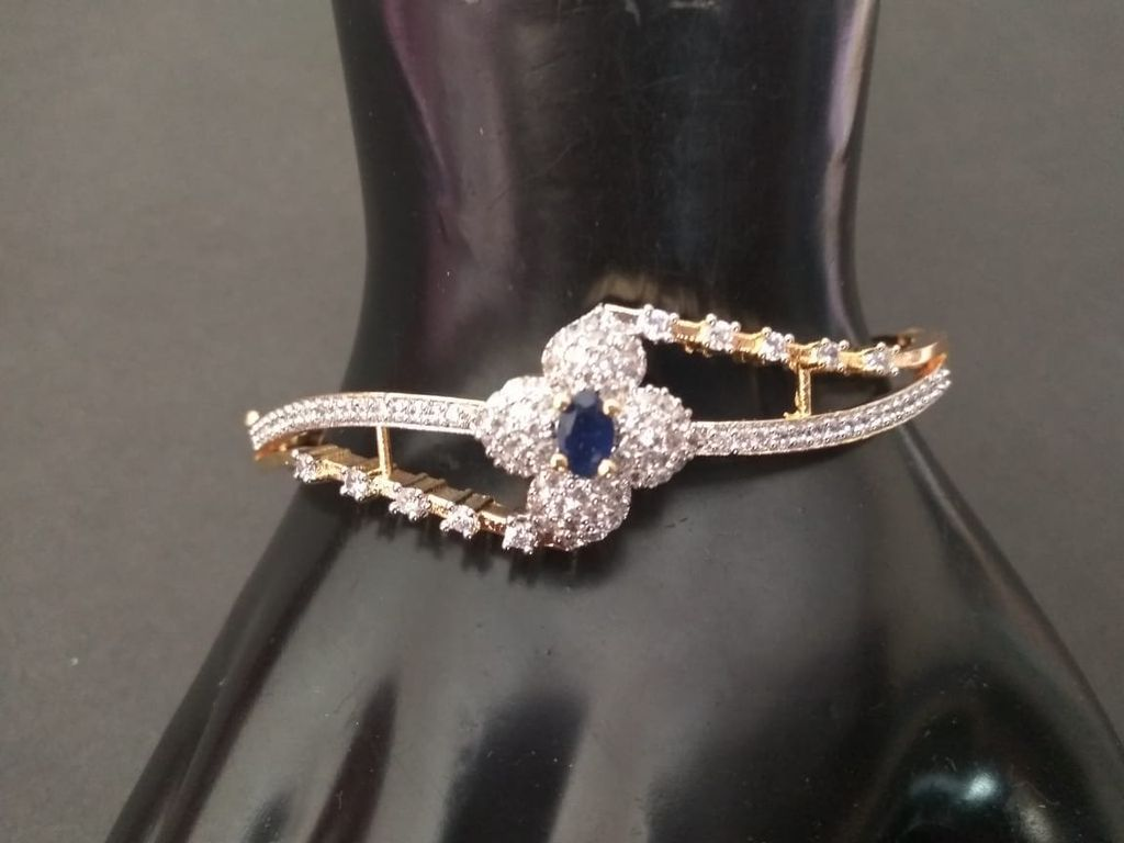 High class Kada/Bracelet made of American diamond