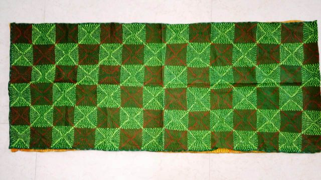 Katha Reversible Stole/Dupatta for perfect you. Designed with perfection, and is purely hand-worked