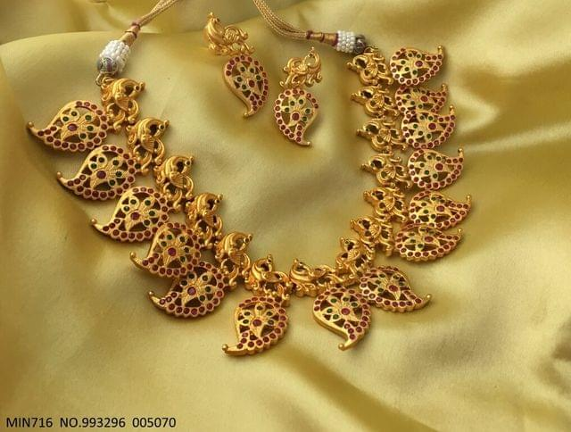 Gold plated necklace with an year warranty