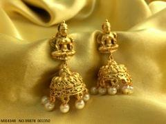 Matt gold plated earring with brass metal base