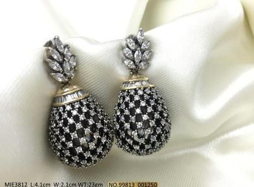 AD Earring with an year warranty