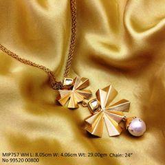 Metal: Brass Stone: Kundan Length: 8.05cm Width: 4.06cm Weight: 29.00gm