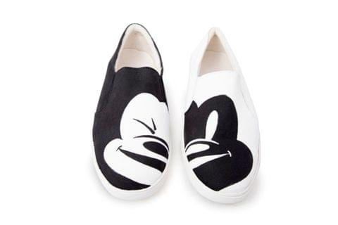 Mickey mouse slip on (b&w)