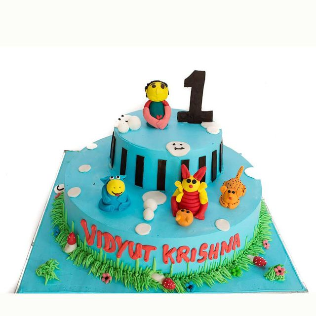 Animals Birthday Fondant Cake