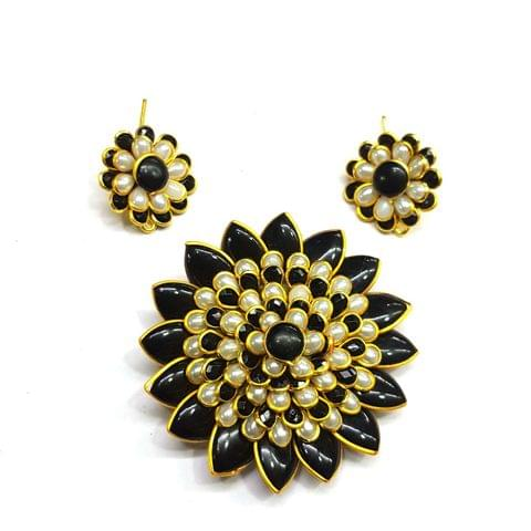 Black White Pacchi Pendant, Pendant - 2.25 inches, Earrings - 1 inch