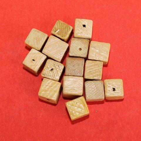 100 Pcs Cream Dice Wooden Beads 8mm