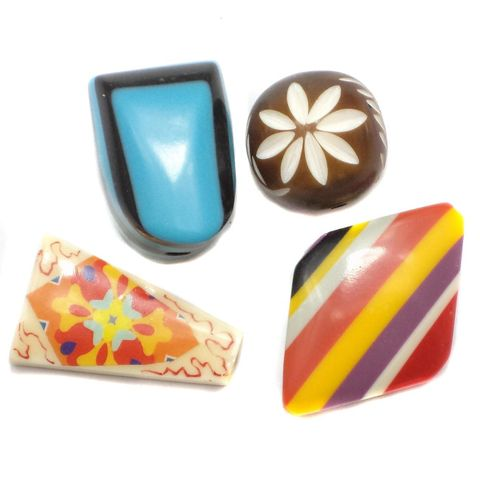 4 Resin Beads Assorted 24-28mm