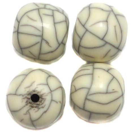 10 Resin Round Beads 16x18mm