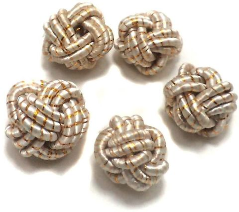 10 Crochet Round Beads Off White 16 mm