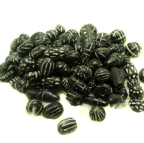 50 Clay Beads Assorted Black 12-30mm