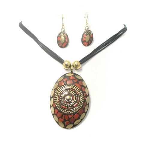 Tebitan Pendant Necklace Set With Earrings Red