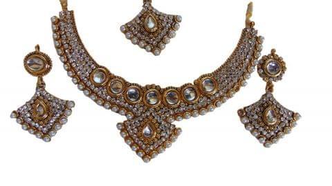 White kundan Set Earrings Mangtikka Copper
