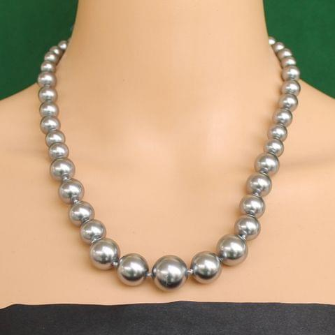 Graduated Shell Pearl Beads Necklace Metallic