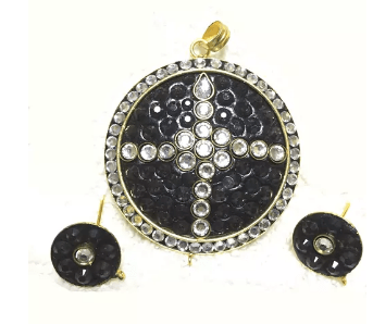 Fancy Kundan Pendant Black Color 2.5' Inches 1 Set (Pendant With Earring)