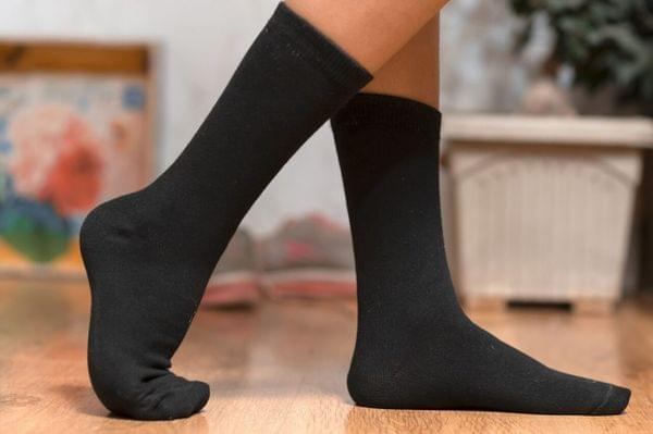 Bamboo Calf Socks : Breathable, Anti Odor, Soft Formal Socks Pack of 4 Pairs (Black and White)